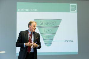 Webinar – 12.09.2017: Wie integriert man Vertriebspartner in den Leadmanagement-Prozess?